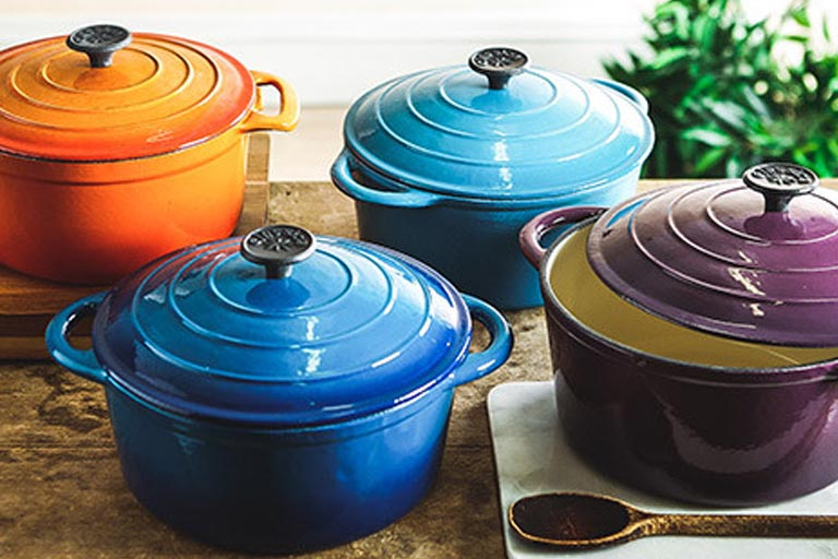 Different colors of Lodge Dutch Oven